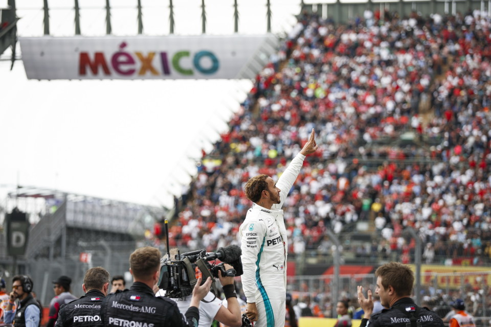 M178437 960x640 And He Takes the 5th; Lewis Hamilton Among Most Titled F1 Drivers